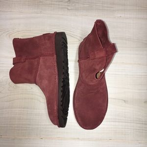 NWOT UGG classic unlined mini suede ankle boot red